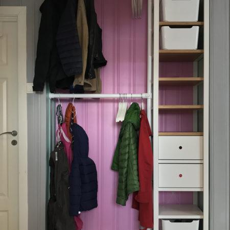 Garderobslösning klädställning