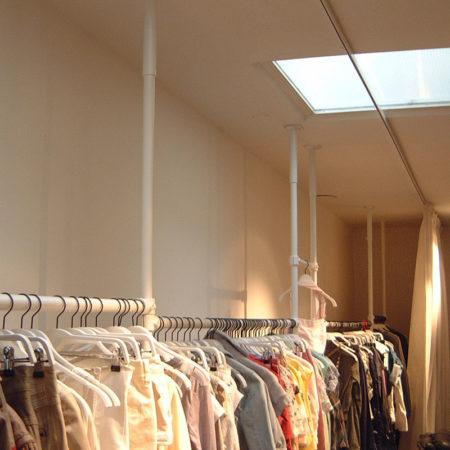 Klädställning på showroom