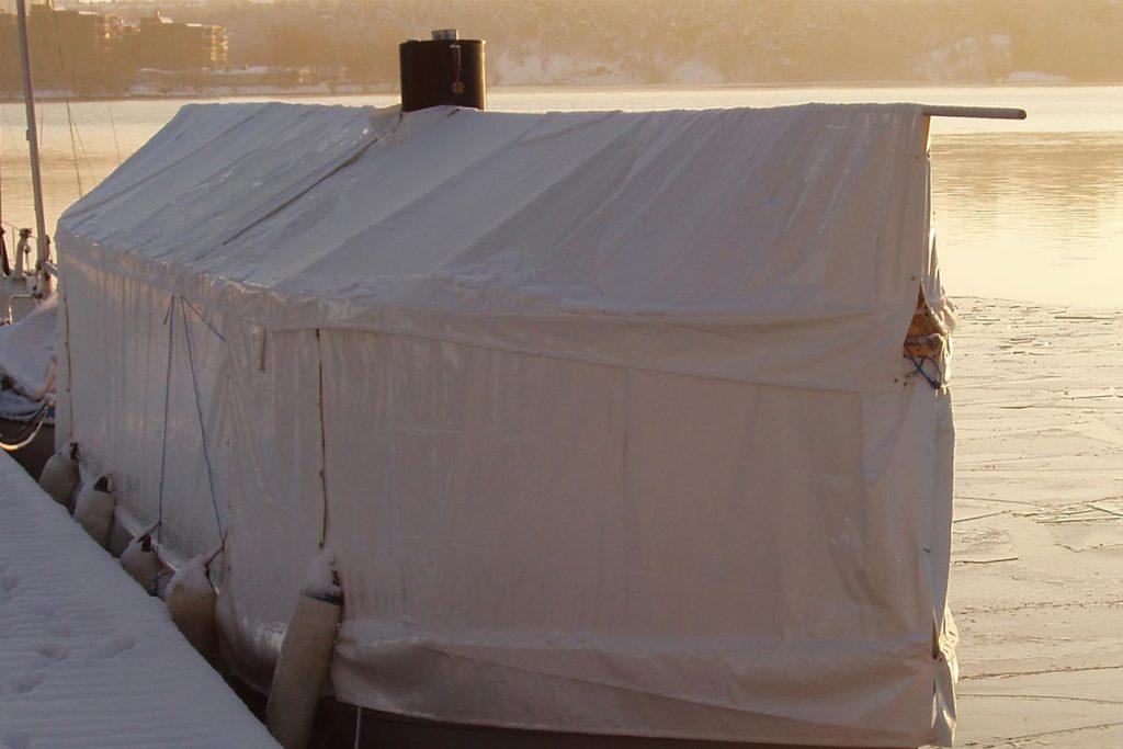 Båttäckning till ångbåt