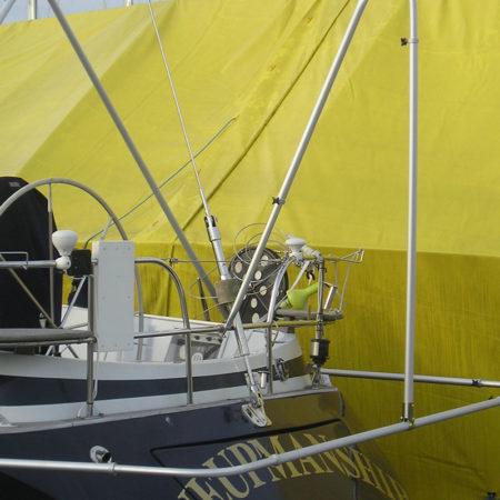 Segelbåt med aktergavel